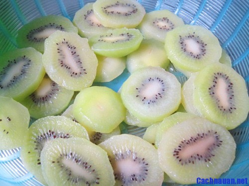 cach lam mut kiwi - Cách làm mứt kiwi chua ngọt đón Tết