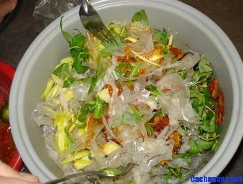 huong dan cach lam banh trang tron - Hướng dẫn cách làm bánh tráng trộn Sài Gòn ngon đúng điệu