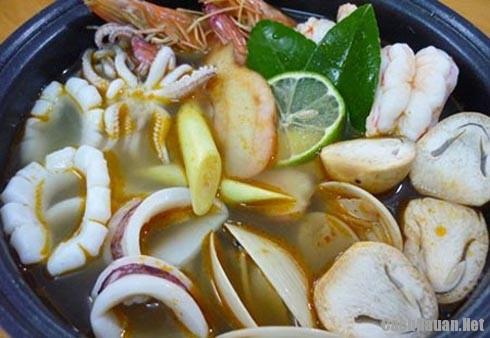 lau-thai-chua-cay-1