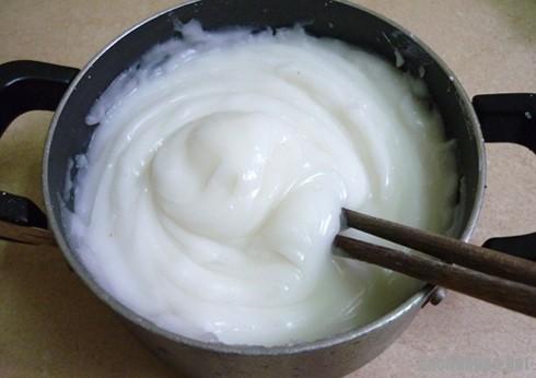 tron bot lam banh gio - Cách làm bánh giò thơm ngon hấp dẫn