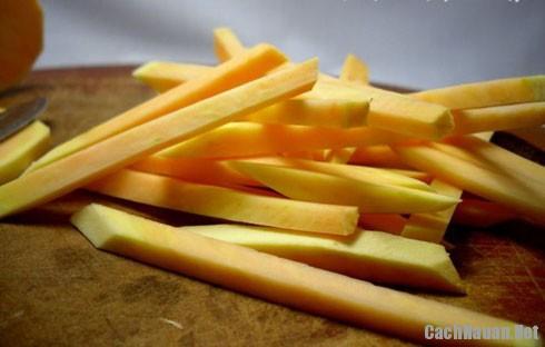 Cach lam banh khoai lang chien gion 2 - Cách làm bánh khoai lang thơm ngon giòn tan