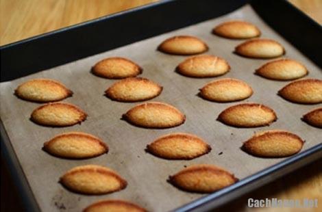 cach lam banh dua ngon 6 - Mẹo nướng bánh dừa vàng ươm, thơm lừng nhâm nhi