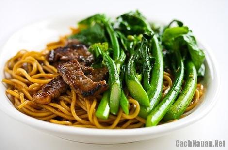 cach lam my xao thit bo rau cai 9 - Cấu nấu mỳ xào thịt bò rau cải thơm ngon mà đơn giản