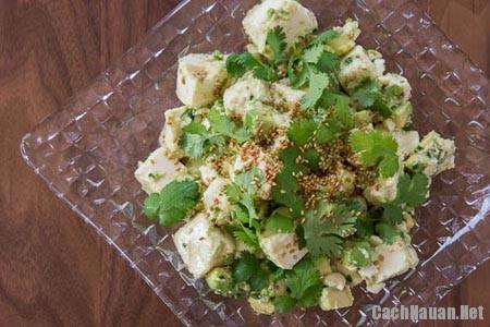 cach lam salad dau phu 3 - Cách làm salad bơ mix đậu phụ giàu dinh dưỡng