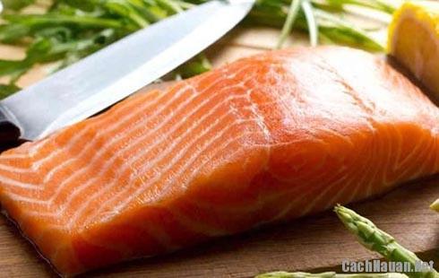 nguyen lieu ca hoi - Cách chế biến món cá hồi chiên thơm ngon