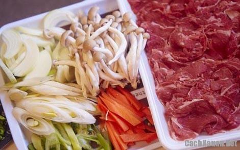 nguyen lieu lam thit bo xao nam - Cách làm thịt bò xào nấm thơm lừng ngon cơm