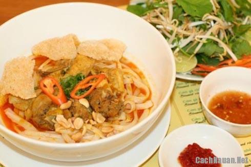 thom ngon mon mi Quang suon - Hướng dẫn cách nấu mì Quảng thơm ngon đúng vị