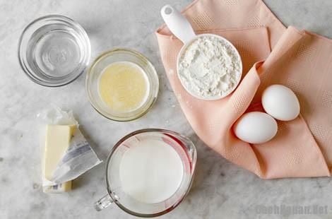 cach lam banh crepe 1 - Cách làm bánh Crepe bơ sữa thơm ngon