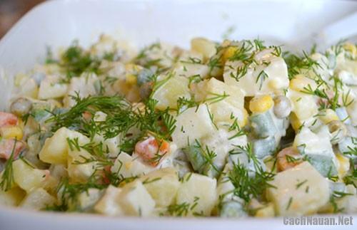cach lam salad nga ngon 3 - Cách làm salad Nga thơm ngon mà không ngán