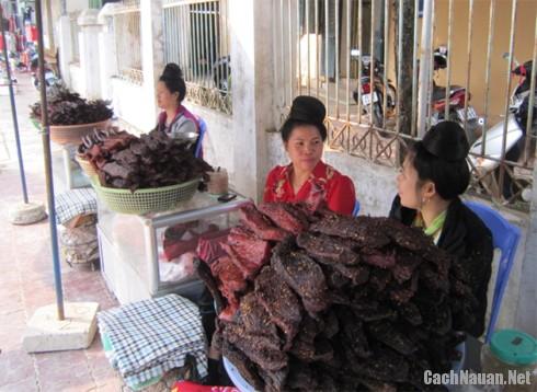 cach lam thit trau kho 1 - Cách làm thịt trâu khô - đặc sản của người Thái