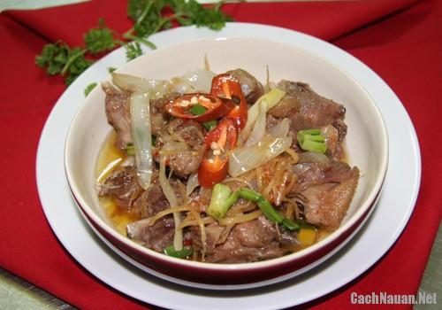 cach lam thit vit kho gung 4 - Cách làm thịt vịt kho gừng ngon cơm