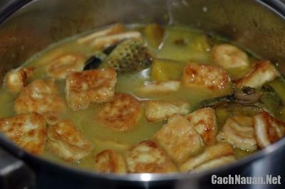 canh ca nau chuoi dau 7 - Cách làm món canh cá nấu chuối đậu dân dã