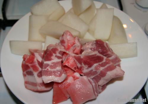 thit heo kho cu cai trang - Cách làm thịt heo kho củ cải trắng đậm đà