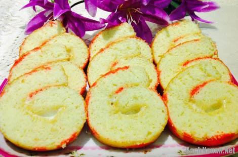 banh bong lan cuon 5 - Cách làm bánh bông lan cuộn hoa văn hấp dẫn
