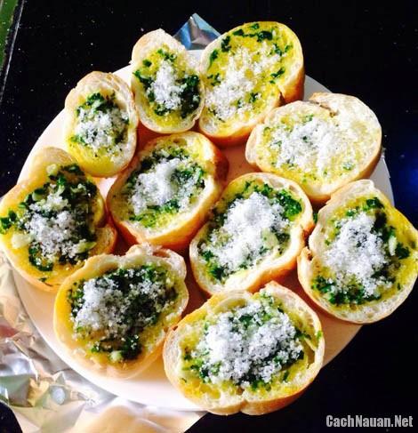banh mi nuong bo toi 2 - Cách làm bánh mì nướng bơ tỏi cho bữa sáng