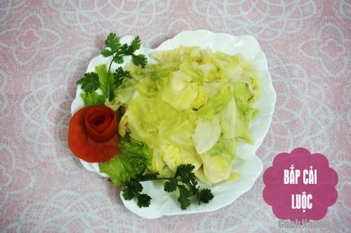 bua com 107 nghin 4 - Bữa cơm ngon miệng ngày oi bức chỉ 107 nghìn