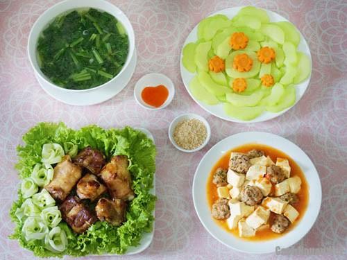 bua com ngon mieng - Bữa ăn ngon miệng cuốn hút cả nhà