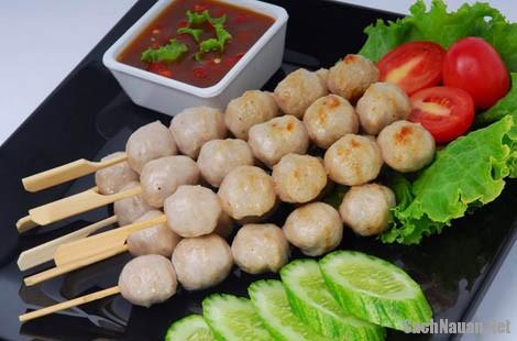 cach lam thit xien 2 - Cách làm món thịt xiên kiểu Thái Lan