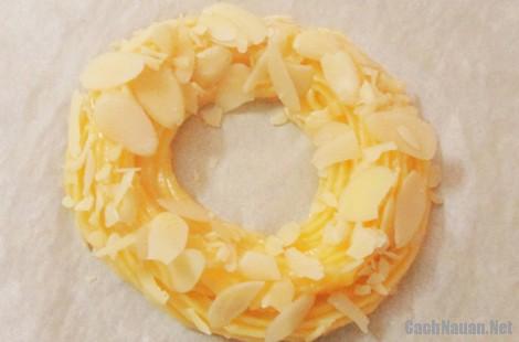 banh su kem vong xe 7 - Cách làm bánh su kem hình vòng xe thơm ngon mát dịu