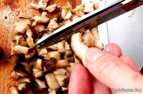 cacnh lam banh ran man 1 - Cách làm bánh rán mặn nóng hổi cả nhà đều mê