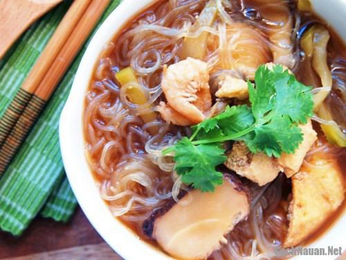 mien nau tom kho 9 - Cách làm món miến nấu tôm khô lạ mà ngon