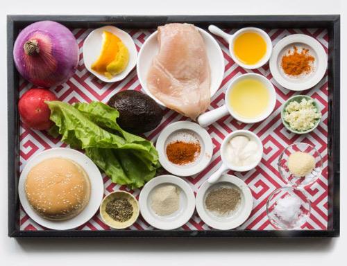 banh humbuger thit ga - Cách làm bánh hamburger kẹp thịt gà cho bữa sáng