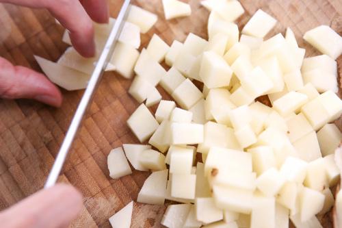 banh khoai tay chien ga 1 - Cách làm bánh khoai tây chiên gà cực ngon