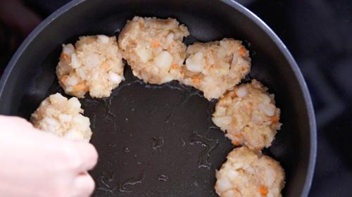 banh khoai tay chien ga 5 - Cách làm bánh khoai tây chiên gà cực ngon