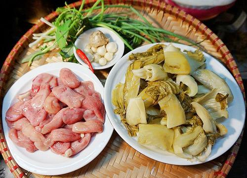 bao tu ca basa xao dua - Cách làm món bao tử cá ba sa xào dưa cải chua trôi cơm