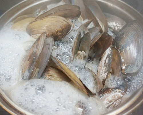 canh chua trung truc 1 - Cách nấu canh chua trùng trục nấu dứa thanh mát