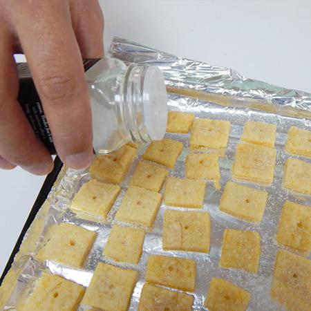 lam banh pho mai 9 - Cách làm bánh phô mai tại nhà cực đơn giản