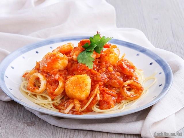 mi y sot hai san 61 - Cách làm món mì Ý sốt hải sản hấp dẫn cả nhà