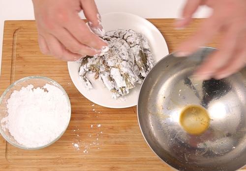 tom sot chua ngot 2 - Cách làm món tôm sốt chua ngọt trôi cơm vô cùng