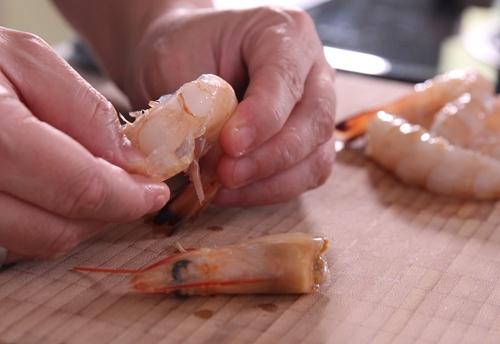tom tam bot chien 3 - Cách làm món tôm tẩm bột chiên giòn siêu ngon