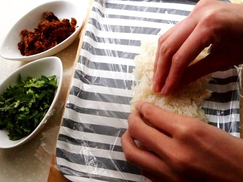 xoi boc thit bo 2 - Cách làm món xôi bọc thịt bò ăn no căng bụng