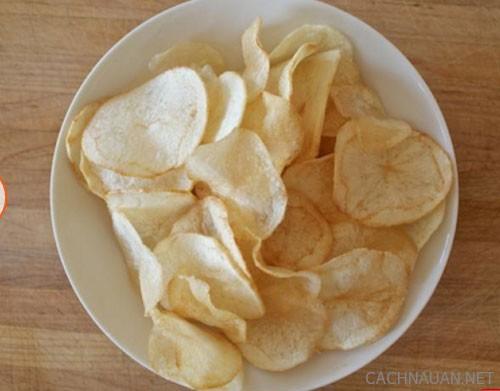 cach lam bimbim khoai tay 5 - Cách tự làm bimbim khoai tây giòn tan