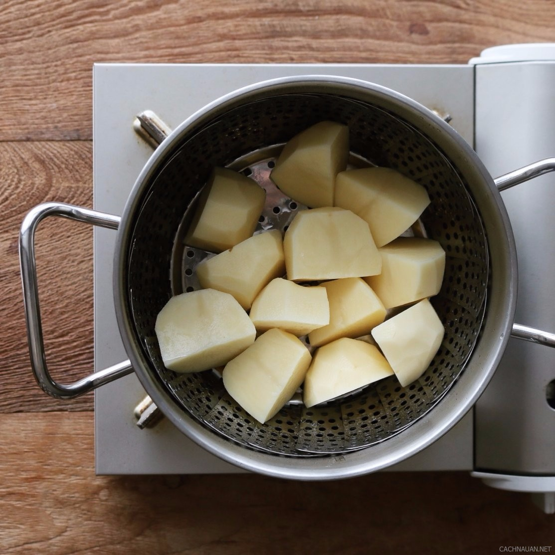 cach lam banh khoai tay chien pho mai thom ngon 3 - Cách làm bánh khoai tây chiên phô mai thơm ngon