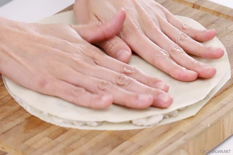 Cách làm bánh tôm ăn bao nhiêu cũng không ngán