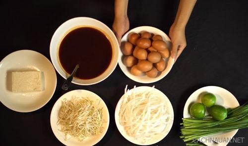 Cách làm món hủ tiếu xào chua ngọt kiểu Thái