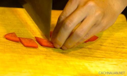 Cách làm món thịt gà xào hạt điều đậm đà, ngon cơm