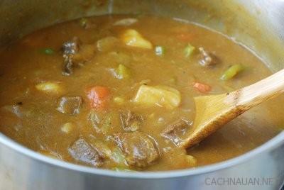 cach nau ca ri bo kieu han quoc dam da la mieng 4 - Cách nấu cà ri bò kiểu Hàn Quốc đậm đà lạ miệng