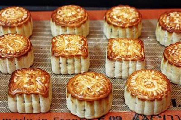 Cách làm bánh trung thu nướng nhân sữa dừa thơm ngậy