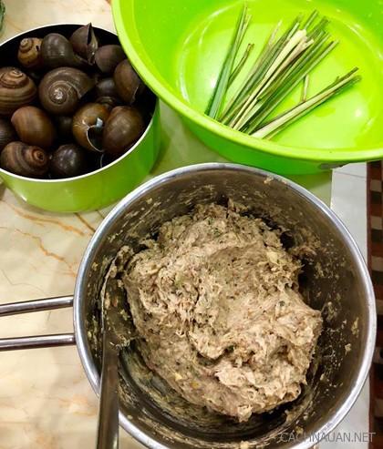 cach lam mon cha oc la lot ngon ma de lam trong 30 phut - Cách làm món chả ốc lá lốt ngon mà dễ làm trong 30 phút