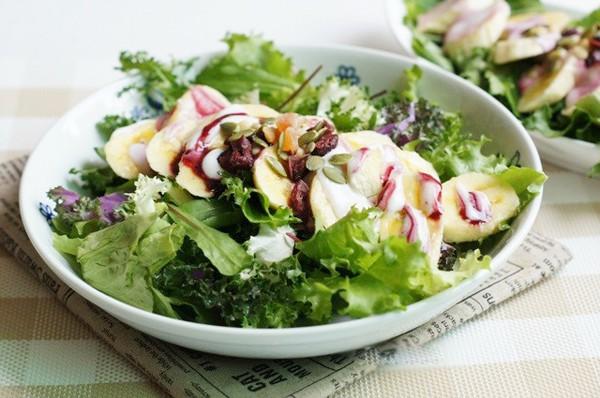 cach lam mon salad chuoi cuc don gian 3 - Cách làm món salad chuối cực đơn giản