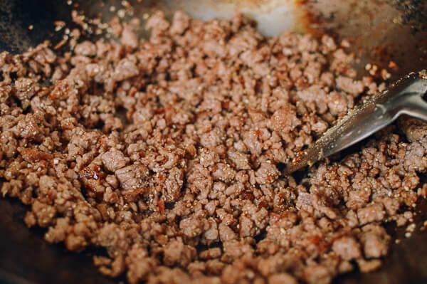 cach lam mon thit bam chua ngot da an la khong muon dung 2 - Cách làm món thịt bằm chua ngọt đã ăn là không muốn dừng