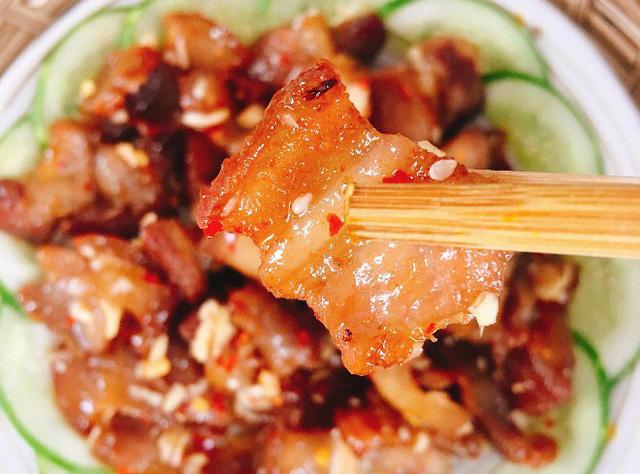 Cách làm món thịt lợn rang tỏi ớt vừa ngon lại dễ làm
