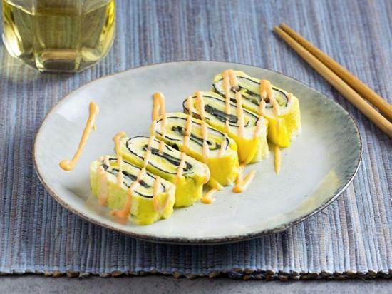 cach lam mon trung cuon rong bien ngon dep nhu nha hang 9 - Cách làm món trứng cuộn rong biển ngon đẹp như nhà hàng