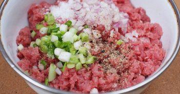 Cách làm thịt bò băm bọc nấm lạ miệng
